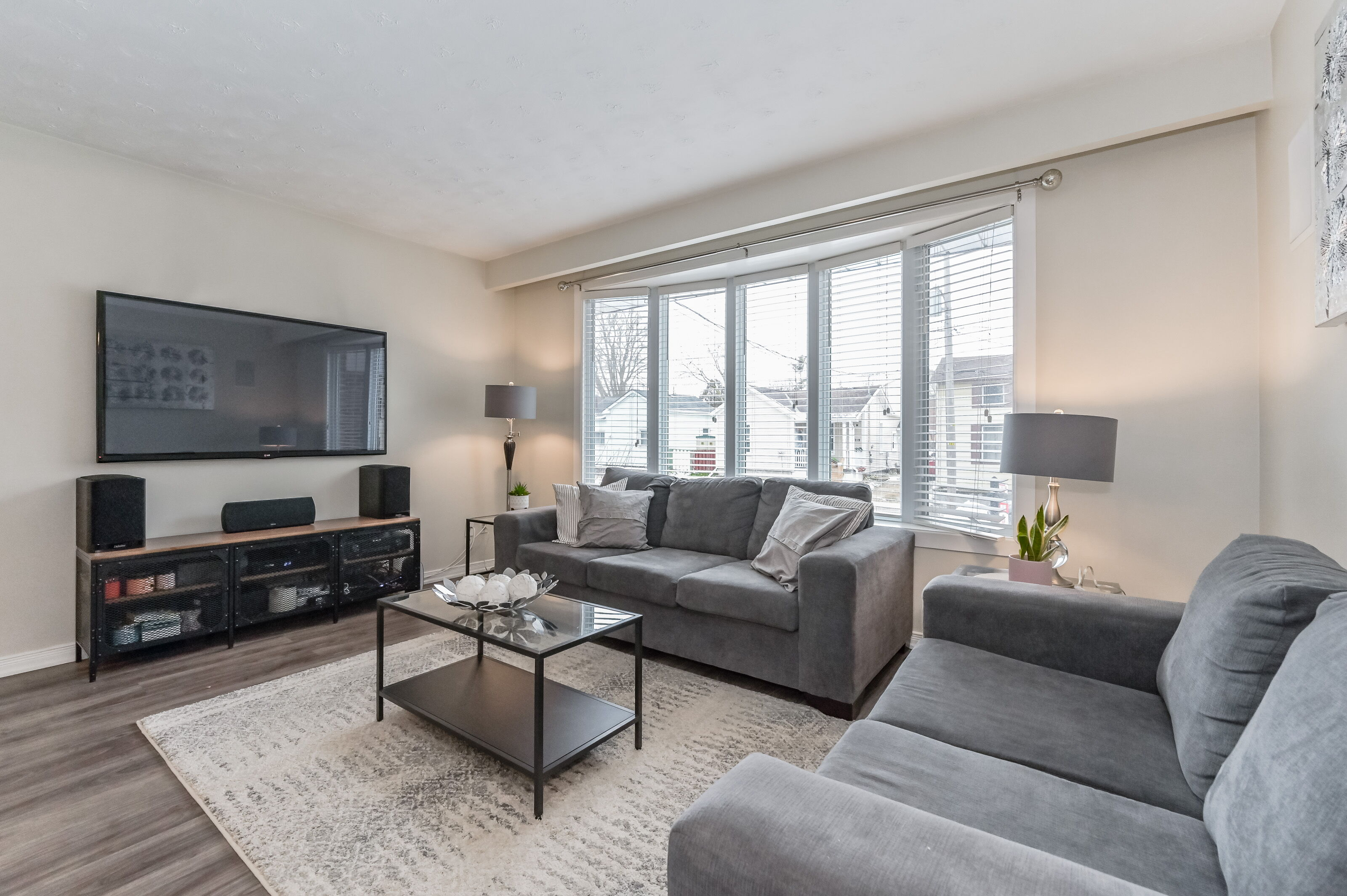 Downtown Home with In-Law Suite   188 Suffolk St. W