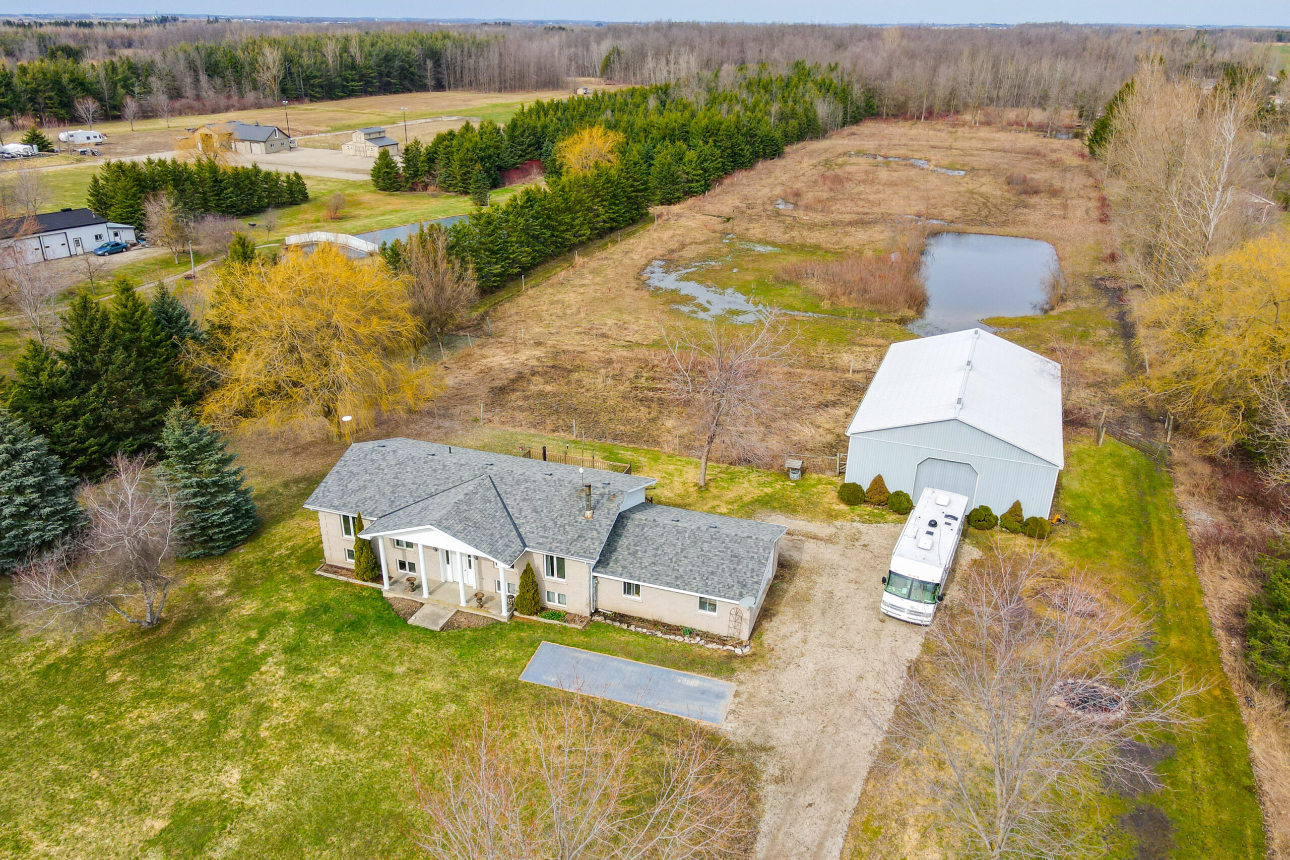 Countryside Home on 8 Acres | 7149 Highway 6