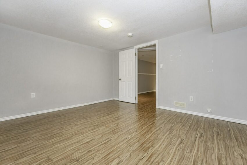 033-224 River Road East, Kitchener, Ontario, Canada-42_m