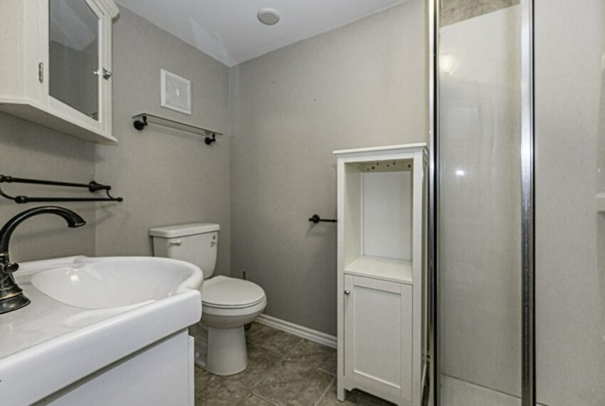 034-224 River Road East, Kitchener, Ontario, Canada-43_m