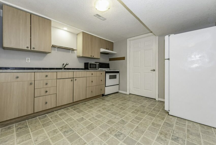035-224 River Road East, Kitchener, Ontario, Canada-44_m