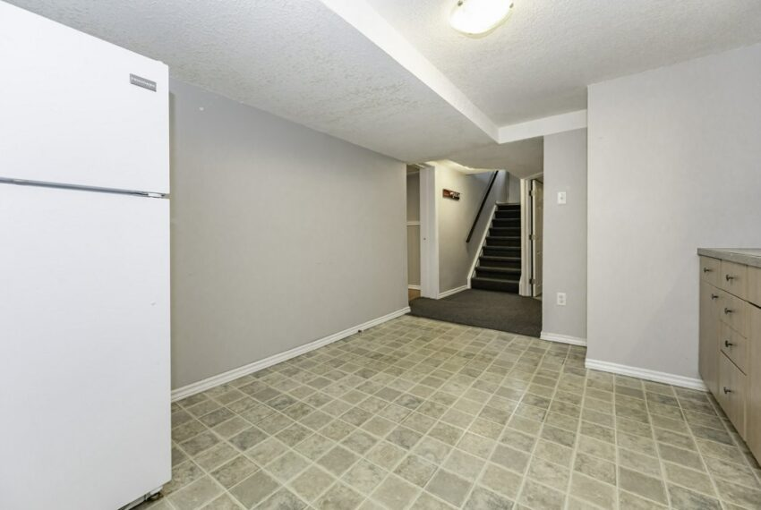 036-224 River Road East, Kitchener, Ontario, Canada-45_m